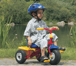 kettler-air-navigator-kettrike-tricycle-boy-scene-251x21850